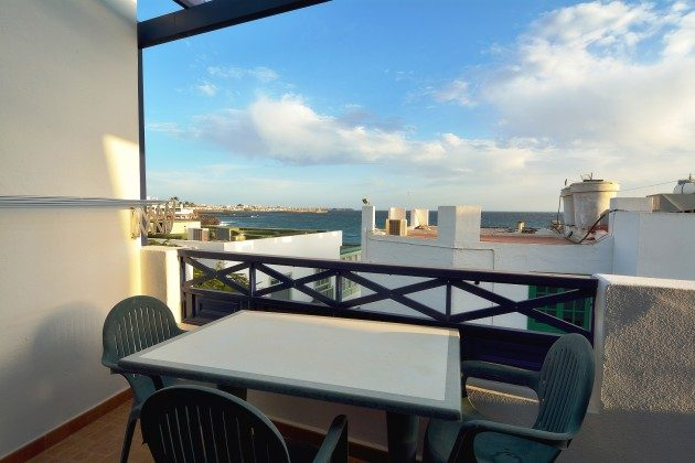 LZ 110068-71 Apartment mit Terrasse und Meerblick