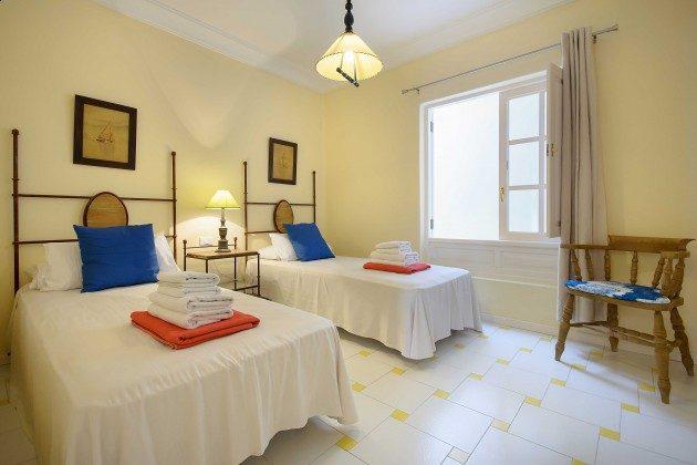LZ 144288-24 Schlafzimmer mit Einzelbetten