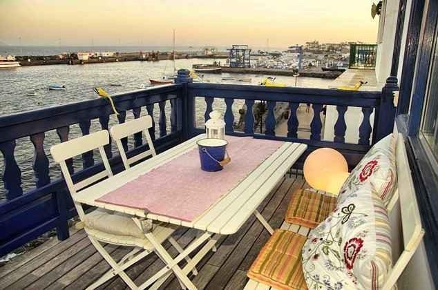 Balkon mit Blick zum Hafen