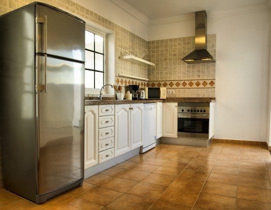 LZ 144288-30 große Küche mit Kühlschrank mit Gefrierfach