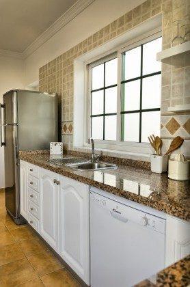 LZ 144288-30 Küche mit Geschirrspüler