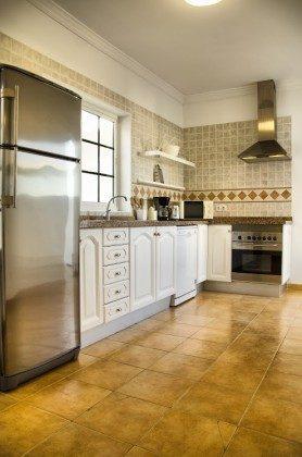 LZ 144288-30 Küche mit guter Ausstattung