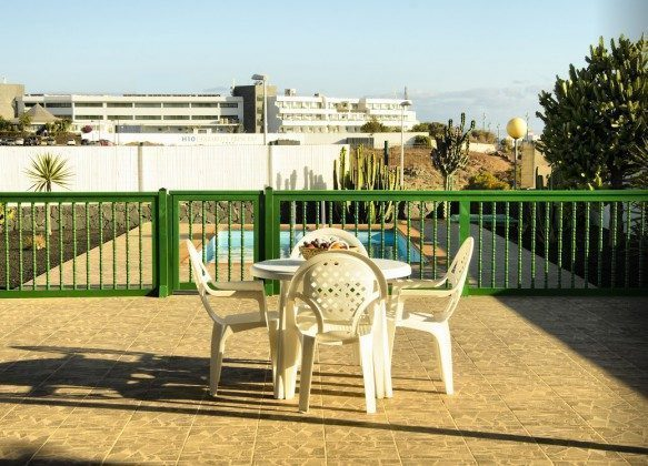 LZ 144288-30 Gartentisch und Stühle