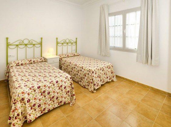 LZ 144288-30 weiteres Schlafzimmer mit Einzelbetten