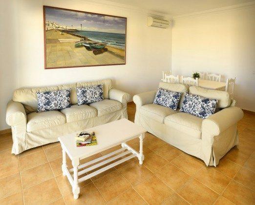 LZ 144288-30 Wohnzimmer mit Esstisch