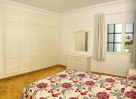LZ 144288-30 geräumiges Doppelschlafzimmer mit Schrank