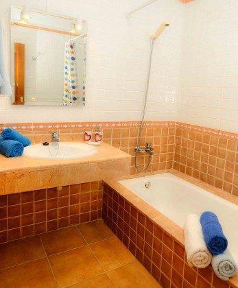LZ 144288-31 Wohnbeispiel Badezimmer mit Wanne