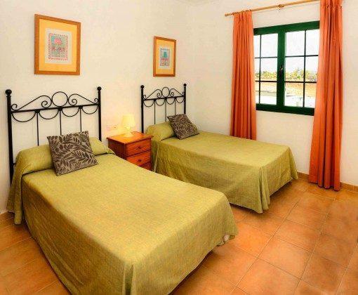 LZ 144288-31 Wohnbeispiel Schlafzimmer mit Einzelbetten