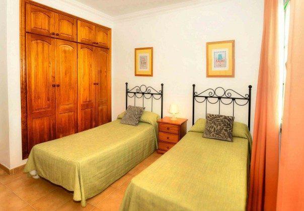 LZ 144288-31 Wohnbeispiel Schlafzimmer mit Schrankraum