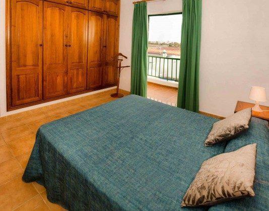LZ 144288-31 Wohnbeispiel Schlafzimmer mit Doppelbett