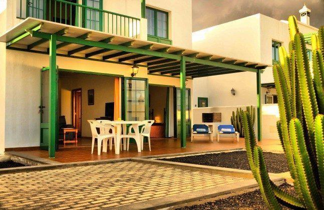 LZ 144288-31 Wohnbeispiel Terrasse Ferienhaus teils überdacht
