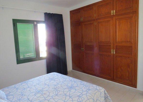 LZ 169285-10 Schrank im Schlafzimmer
