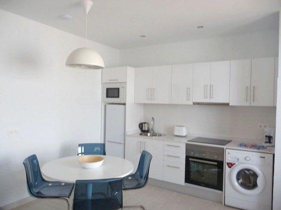 LZ 169285-12 Küchenzeile grenzt an den Wohnbereich