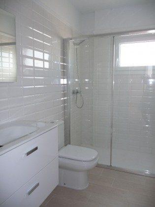 LZ 169285-12 modern eingerichtetes Badezimmer