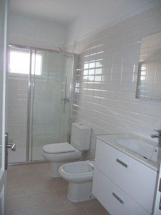 LZ 210769-12 Bad mit Dusche, WC und Bidet