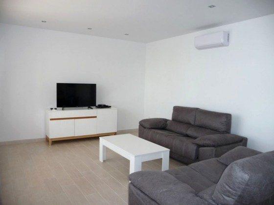 LZ 169285-12 Wohnbereich mit SAT-TV