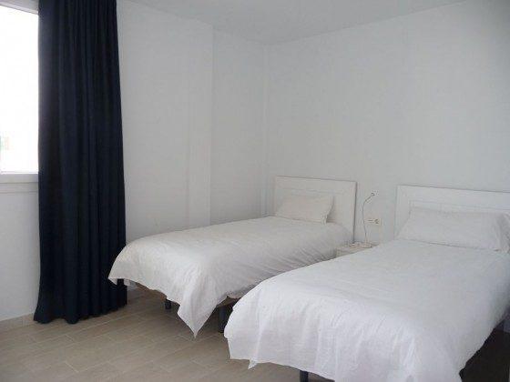 LZ 210769-12 Schlafzimmer mit Einzelbetten
