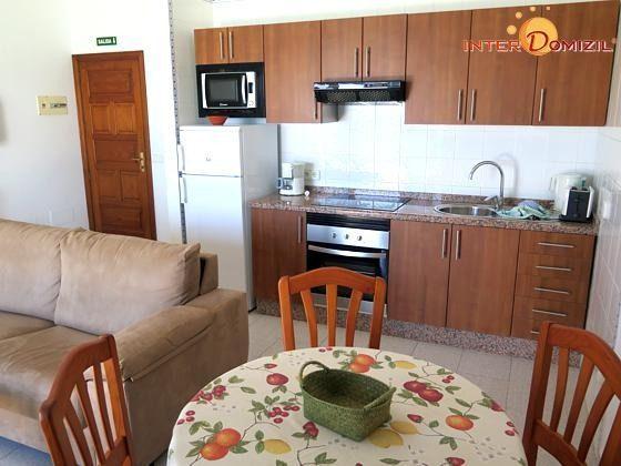210770-2 Wohnbeispiel Wohn-/Essraum mit Küchenzeile