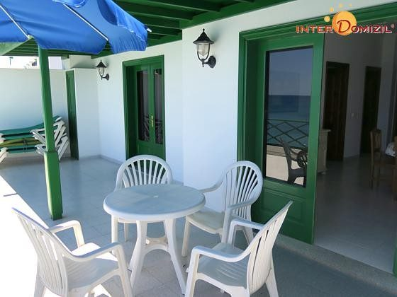 Wohnbeispiel Terrasse mit Gartenmöbeln