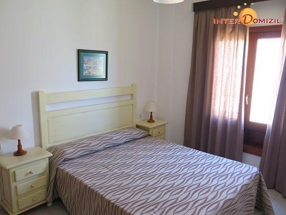 210770-2 Wohnbeispiel Schlafzimmer mit Doppelbett