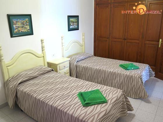 210770-2 Wohnbeispiel Schlafzimmer mit zwei Einzelbetten