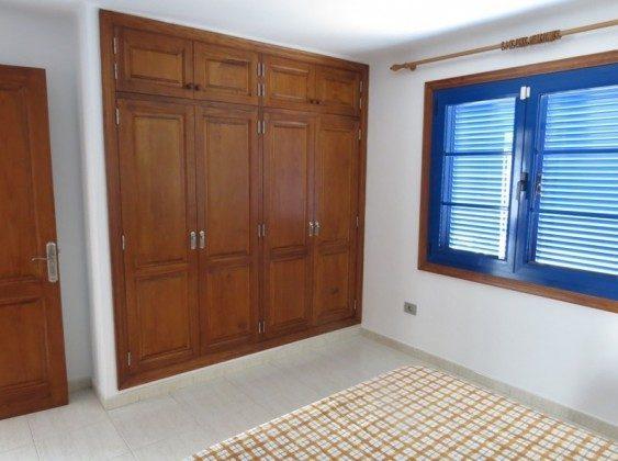 LZ 210769-2 Kleiderschrank im Schlafzimmer