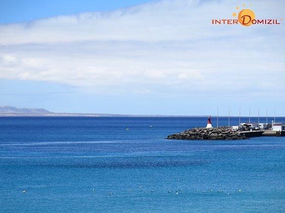 LZ 169285-2 Hafenmole und Nachbarinsel Fuerteventura
