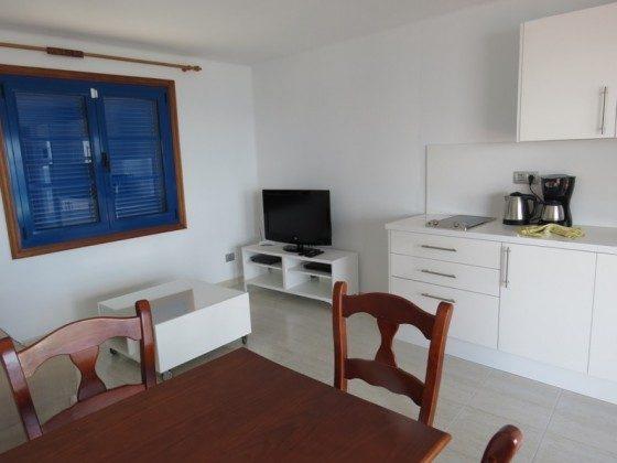 LZ 210769-2 Esstisch und Küchenzeile