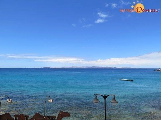 Blick zur Nachbarinsel Fuerteventura