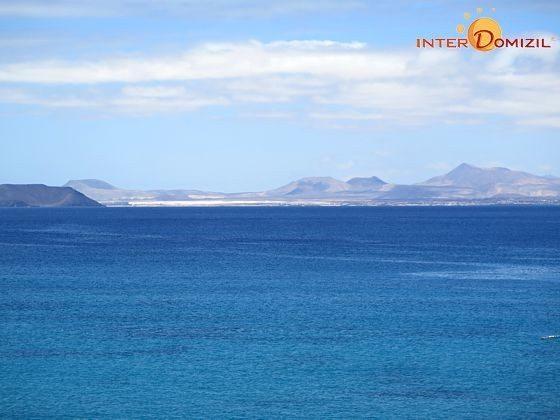 Blick auf die Nachbarinsel Fuerteventura