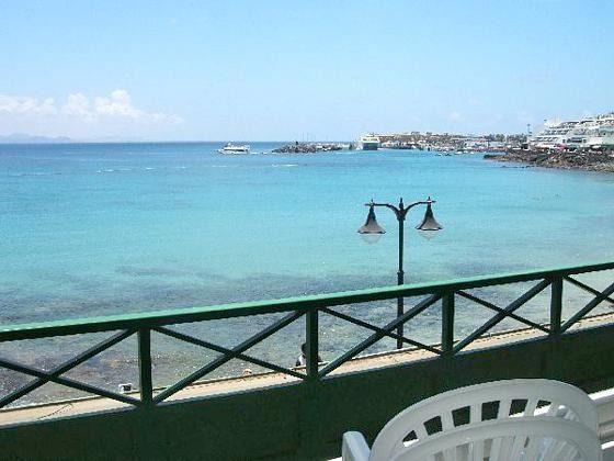 Spanien Kanaren Lanzarote Ferienwohnung mit Terrasse