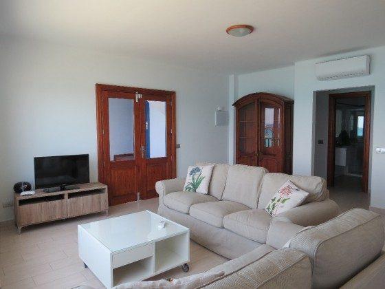 LZ 210769-5 Wohn-/Esszimmer mit Zugang zur Terrasse