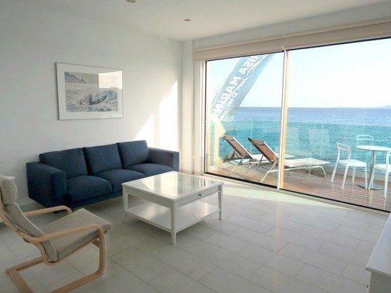 LZ 210769-6 Wohnbeispiel Sitzecke im Wohnbereich und Terrasse