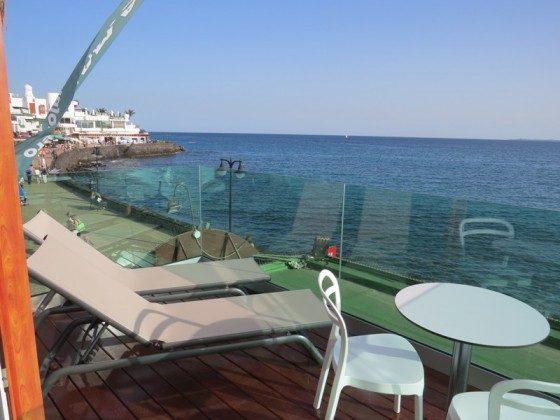 LZ 169285-6 Terrasse mit Blick auf Promenade und Meer