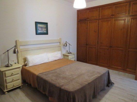 LZ 169285-7 Wohnbeispiel Schlafzimmer mit Doppelbett