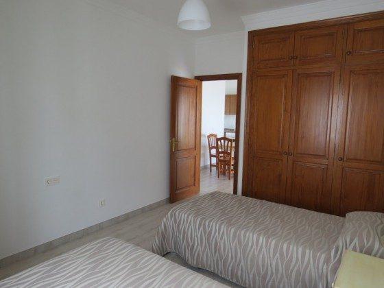 LZ 169285-7 Schlafzimmer mit Schrank Apt. 7