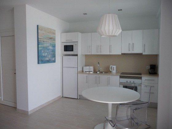 LZ 169285-8 Wohnbeispiel Küchenzeile, Wohnung D