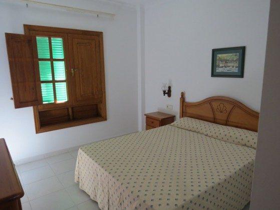 LZ 169285-9 Schlafzimmer Wohnung A
