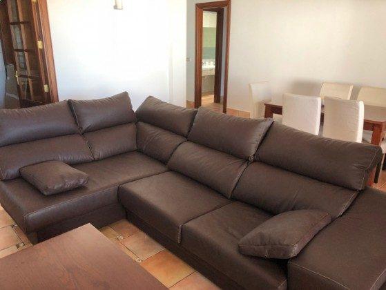 LZ 210739-1 Wohnbereich mit Sofa