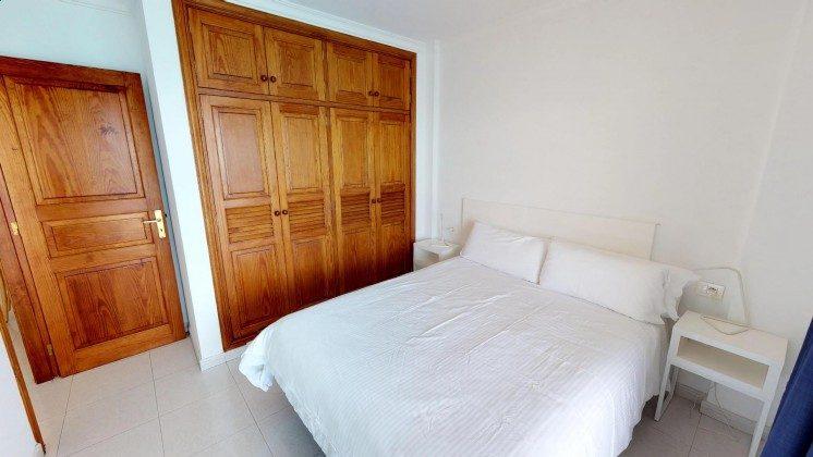 LZ 210769-13 Schrankraum im Schlafzimmer