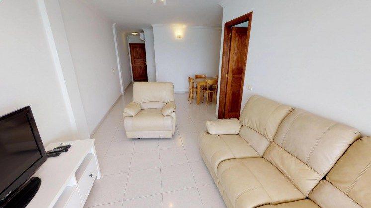 LZ 210769-13 Wohnbereich mit TV