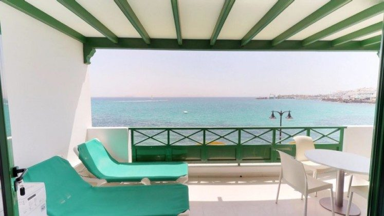 Kanarische Inseln Lanzarote Wohnung mit Terrasse und Meerblick