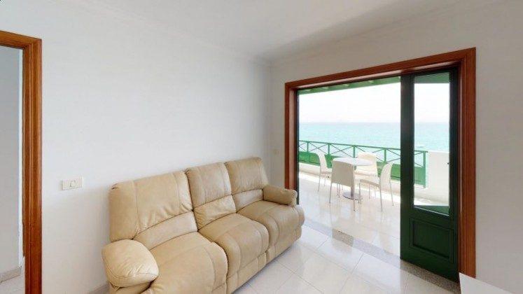LZ 210769-13 Zugang Terrasse vom Wohnzimmer