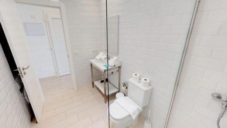 LZ 210770-8 Wohnbeispiel Badezimmer