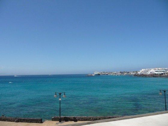 LZ 210770-9 Meerblick Richtung Fährhafen von Playa Blanca