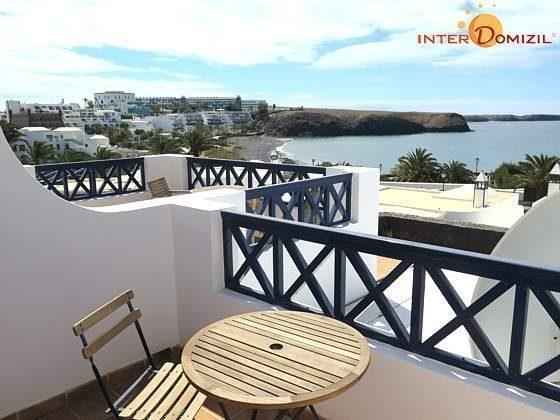 Terrasse oben vor einem der Schlafzimmer mit Meerblick