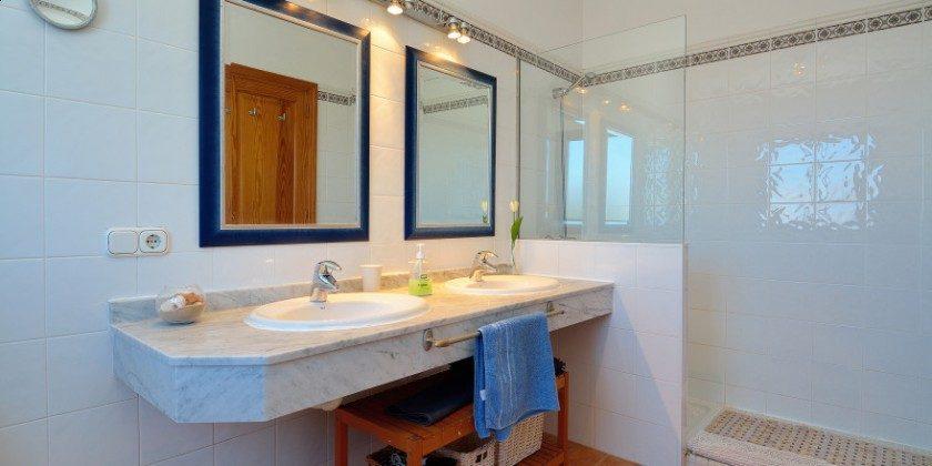 LZ 61383-14 Bad mit Dusche en-suite