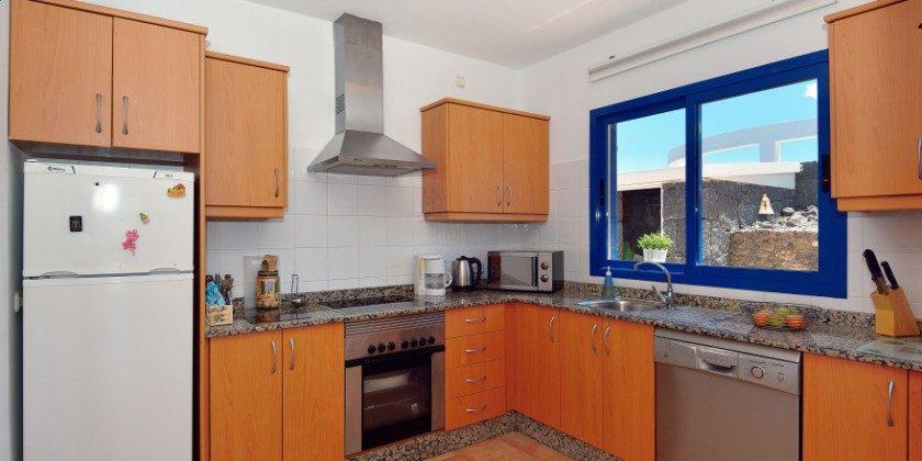 LZ 61383-14 gut ausgestattete Küche