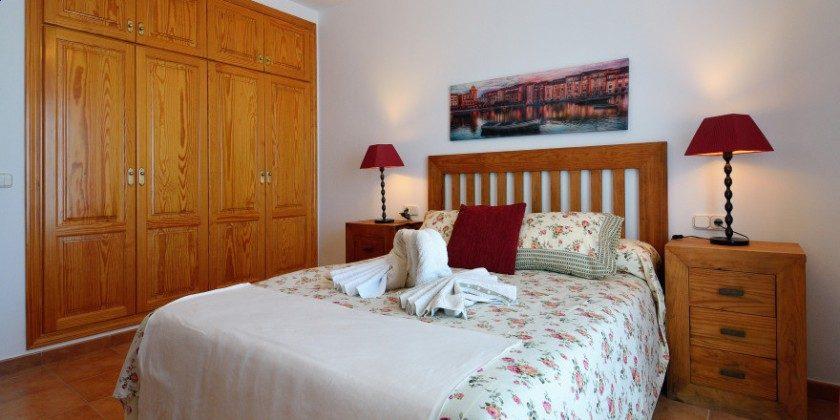 LZ 61383-14 Schlafzimmer mit Einbauschrank