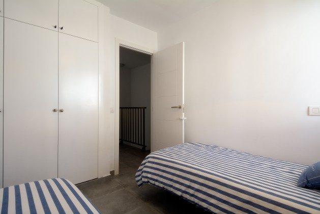 LZ 110068-25 Schlafzimmer mit Schrankraum